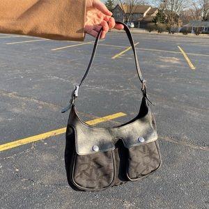🌐VTG DKNY Pocket front black logo purse